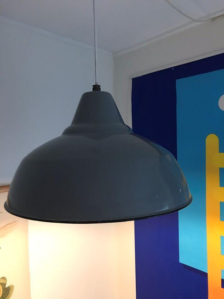 Anden loftslampe, Industrilampe