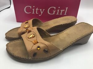 City-Girl-Shoes-Size-9-Vegas-Style-Camel-Brown-Color-Embelissed-Jewels-w-box