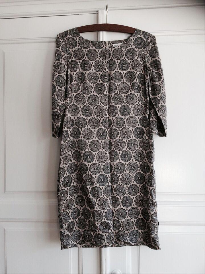 6bc8aefb Jackpot kjole