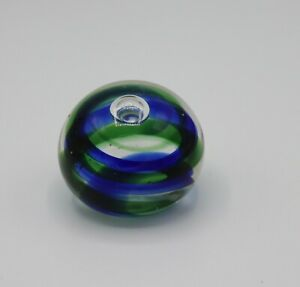 HAND-BLOWN-BLUE-amp-GREEN-SWIRL-GLASS-PAPERWEIGHT-controlled-bubble