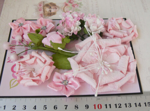PINK /& WHITE 11 Flowers Leaves 5 Styles = PAPER /& SATIN Flowers 15-65mm VB4