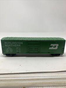Tyco-HO-Scale-Burlington-Northern-BN-100024-Plug-Door-Box-Train-Car-Railroad-M1
