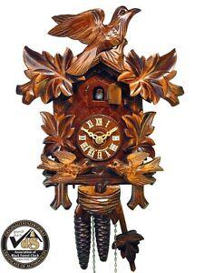 Schwarzwaelder-Kuckucks-Uhr-Schwarzwald-Uhr-mechanisch-1-Tag-fuetternde-Voegel-Holz