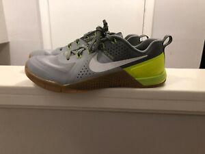 Men's Nike Metcon 1 - Gray/Green - Size