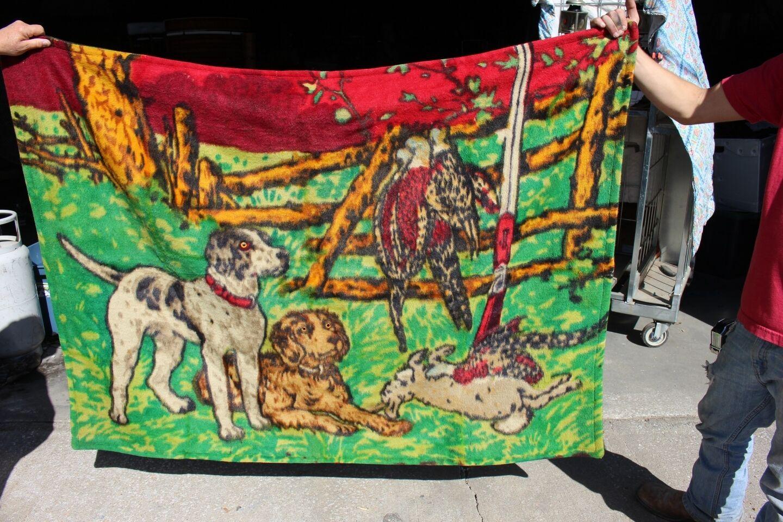 36-19 Vintage caballo Dibujado Chase Lap bata de lana con respaldo perros de caza, aves, conejos