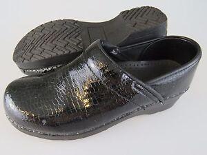 DANSKO Womens Shoes Clogs Size EU 39 US 8.5 Animal Print Slip-On