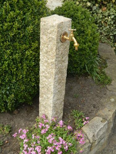 extérieur robinet Eau pompe à essence de jaune granit pierre naturelle l/'eau collecte