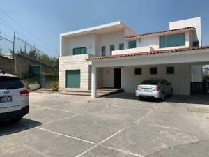 Residencia en Venta en Zona Esmeralda $22,000,000!!!