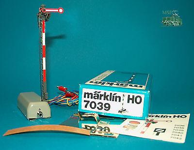 M&B Marklin HO 7039 home signal , one arm Semaphore