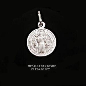 COLGANTE-MEDALLA-SAN-BENITO-PLATA-DE-LEY-con-CRUZ-DE-SAN-BENITO-15-mm-Estuche
