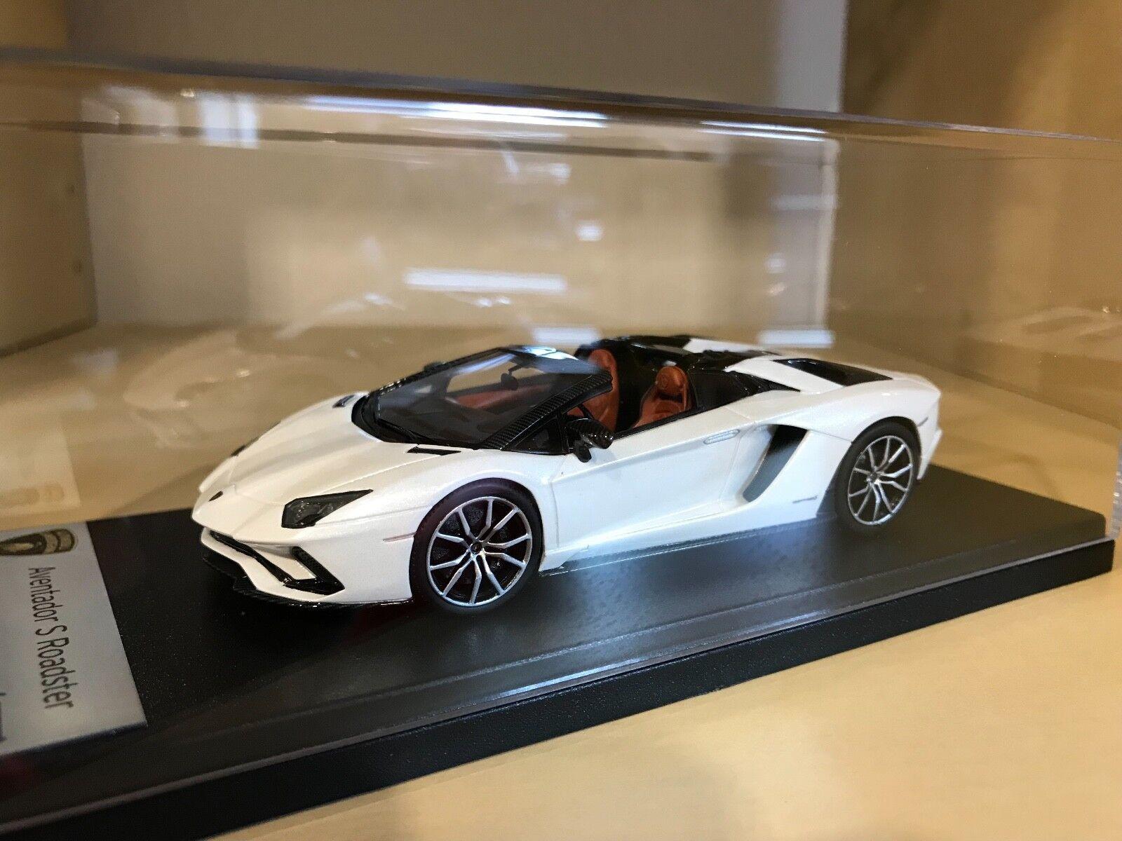Lamborghini Aventador S-Balloon bianca-LookSmart - 1 43