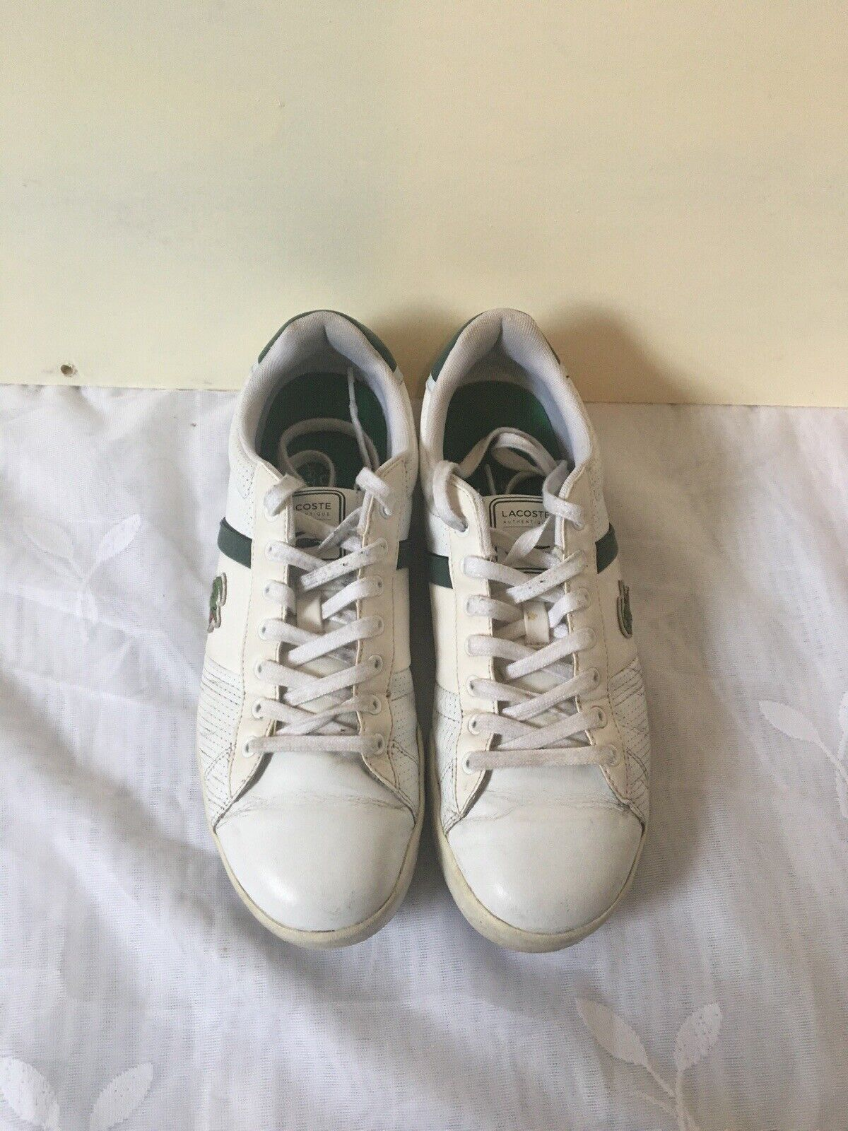 Mens Lacoste Leather trainers size 8 White. Used