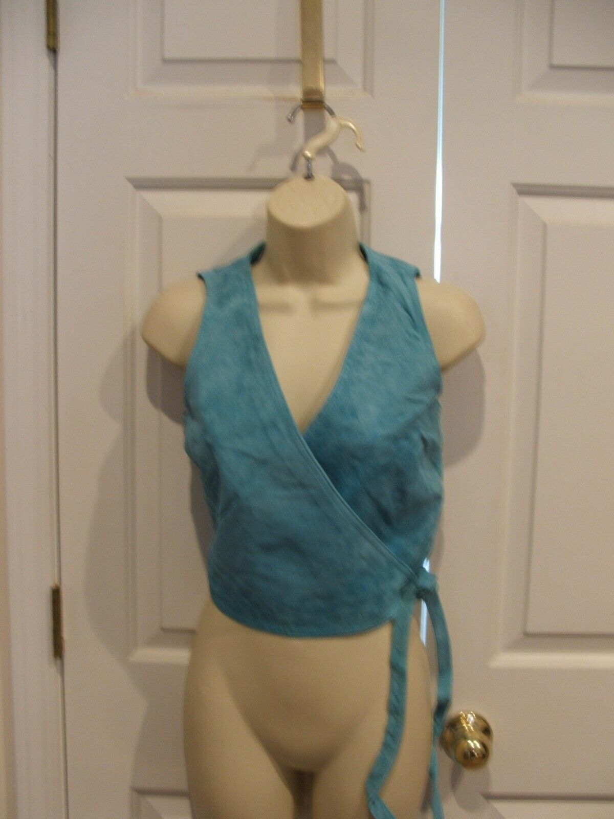 NWT  Newport News Stylework bRIGHT AQUA suede fully lined wrap  vest top sz 8