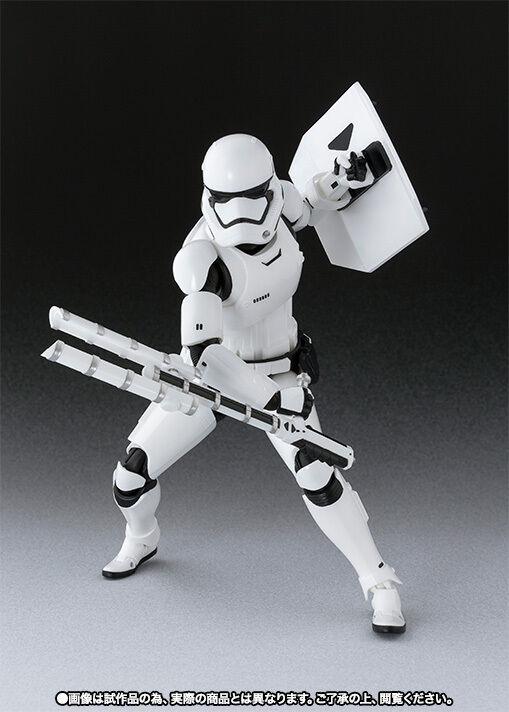Más asequible S.H. Figuarts Estrella Estrella Estrella Wars Storm Trooper de primer orden con escudo & batuta Figura De Acción  80% de descuento