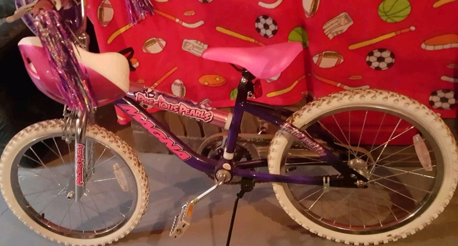 REDUCED PRICE Girls Magna Precious Pearls Bike Pink purplec (20 )  Helmet Included