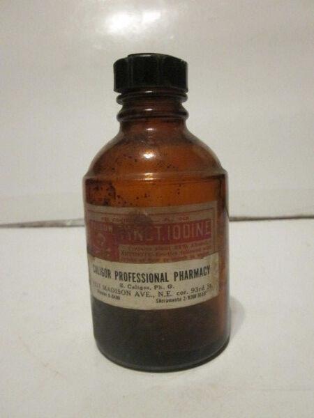 Antico Tinct. Iodio Vetro Ambra Bottiglia W/teschio & Ossa Su Etichetta Né Troppo Duro Né Troppo Morbido