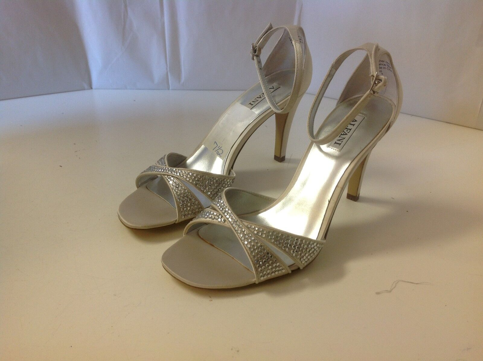 Alfani Nicki Champagne Rhinestones Heels 7 1 2 M New Open Toe Satin Wedding Prom