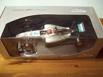 1/18 Mercedes 2010 W01 Michael Schumacher-mostra Il Titolo Originale Merci Di Convenienza
