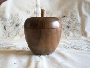 bonbonnière en bois d' olivier représentant une pomme