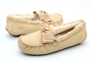 a386da9bb UGG DAKOTA LEATHER BOW SUEDE SHEARLING SOFT OCHRE SLIPPERS SIZE 7US ...