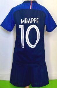 MBAPPE-KANTE-GRIEZMANN-POGBA-PAVARD-ENSEMBLE-ENFANT-FOOTBALL-EQUIPE-DE-FRANCE