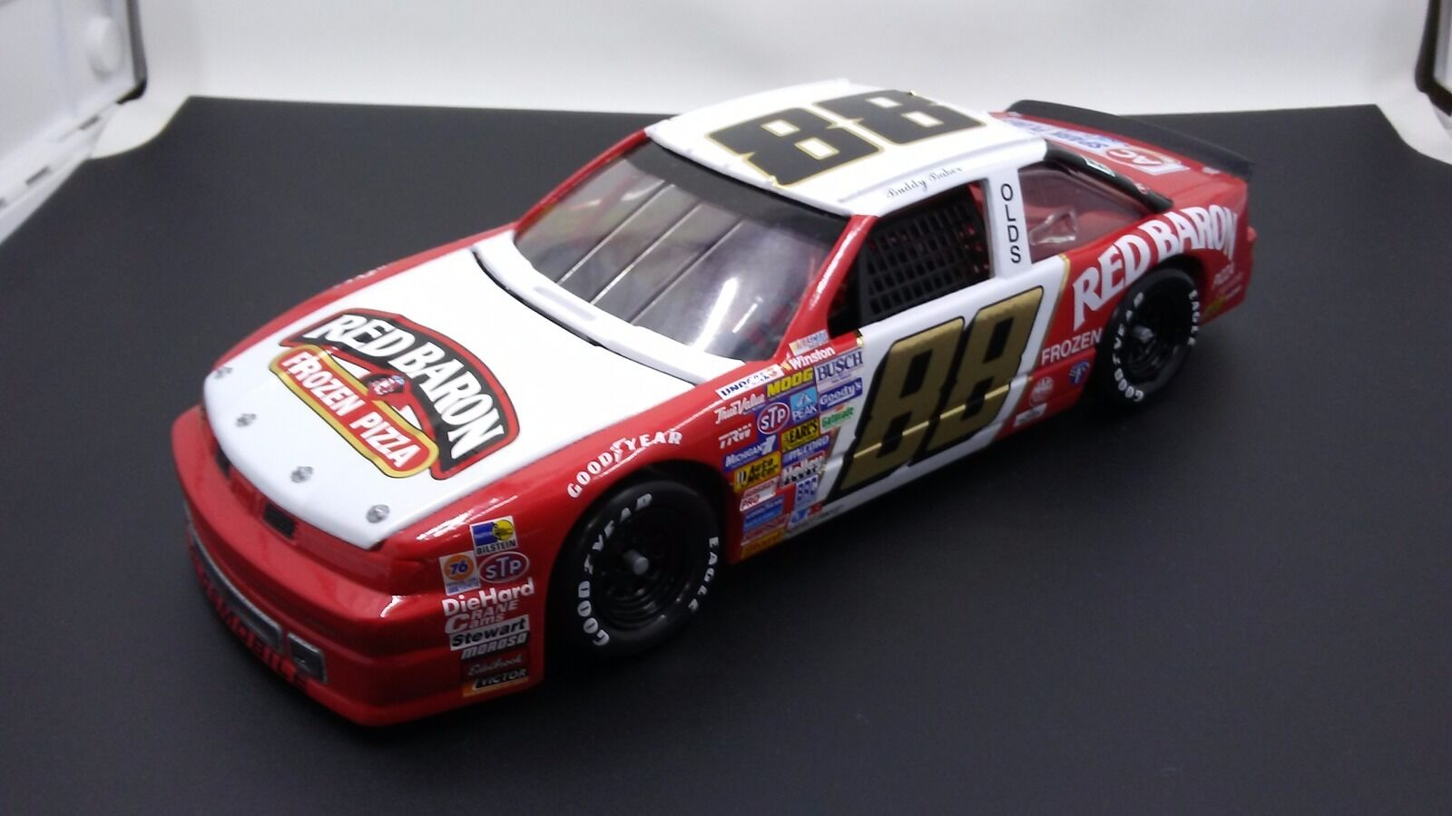 Rare 1988 Buddy Baker Nascar Winston Cup Series Red Baron 1 24 Diecast Olds