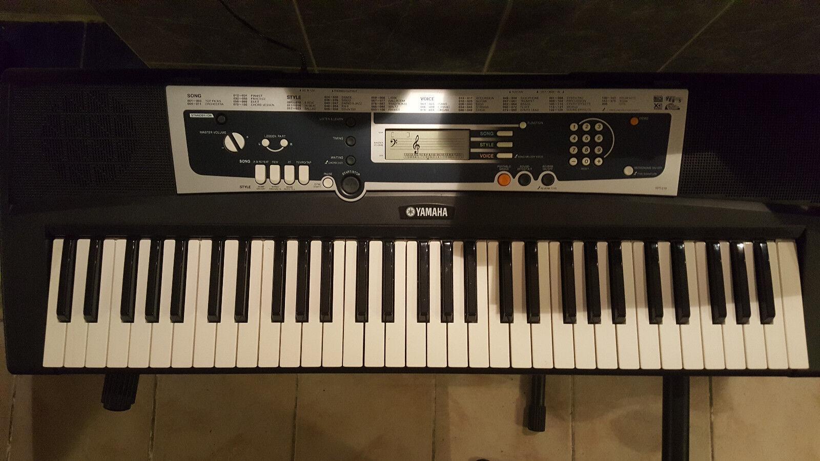 Yamaha digital Keyboard YPT - 210 mit Ständer