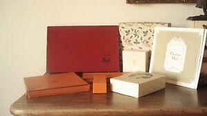 Lot 10 boites carton pochettes marques célèbres Céline Hermes Chanel etc....