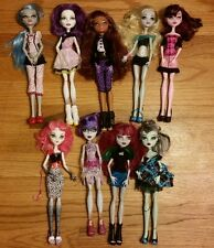 NICE Lot of 9 Monster High Dolls Girls Clothes Shoes Lagoona Clawdeen Ghoulia