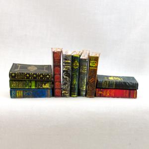 1:6 Échelle Dusty Ancien Livres Set De 10 Prop Miniature Jeu Barbie Lustre Brillant