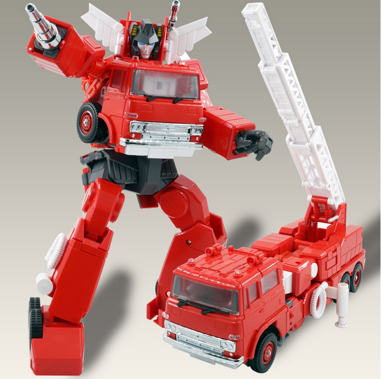 Transformers enlarged version MPP-33 fire engine can match the MPP10 ratio.