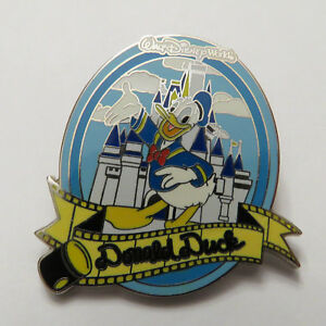 Disney-WDW-Spotlight-Autograph-Collection-Donald-Duck-Pin
