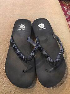 d435604b9aa64f Yellow Box Black Sequin Slip On Flip Flops Sandals Women s Size 9.5 ...