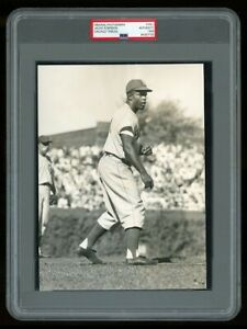 "1949 Original Photo JACKIE ROBINSON ""The DANCE"" Prepares to STEAL HOME PLATE !"