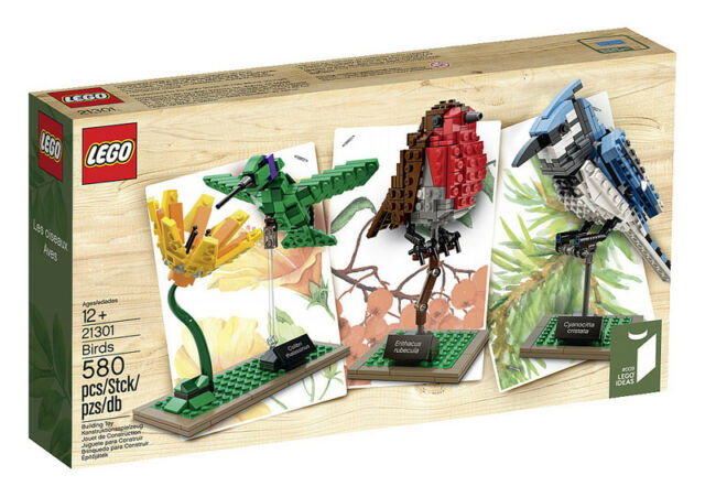 Lego Birds Set Blue Jay, Hummingbird with Flower, and a Robin 21301 - retired