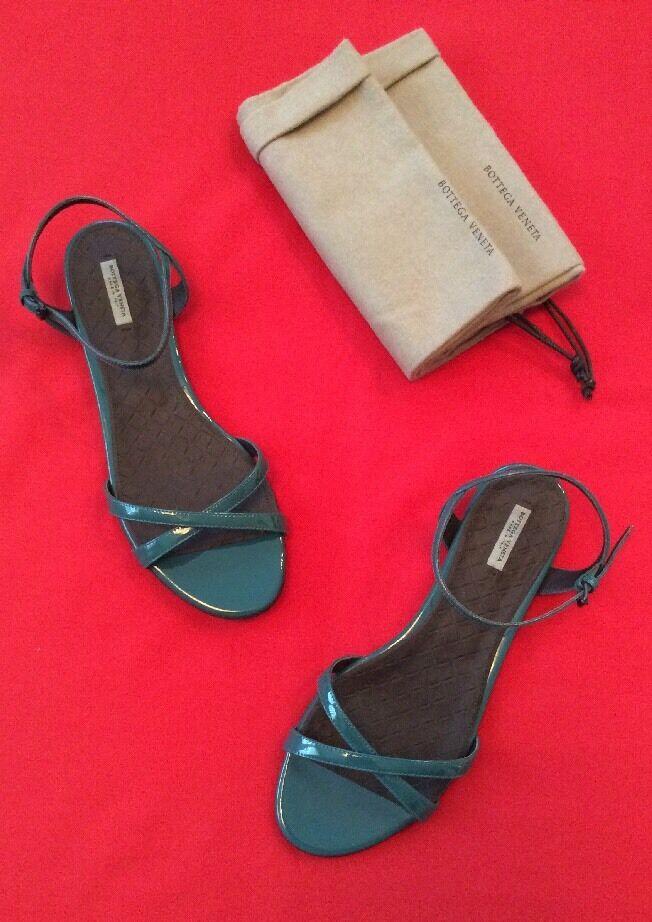 Nuevo en caja auténtica auténtica caja Bottega Veneta verde Sandalias Flats zapatos 39 1 2 26c501