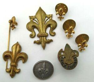 Lot-de-8-insignes-et-bouton-Scout-a-determiner