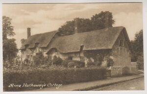 Warwickshire postcard - Ann Hathaways Cottage, Stratford on Avon (A138)