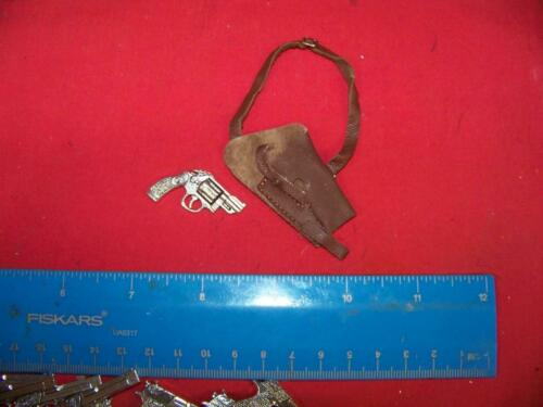 1//6th Scale Chrome Snub Nose Pistol w//Brown Leather Shoulder Holster