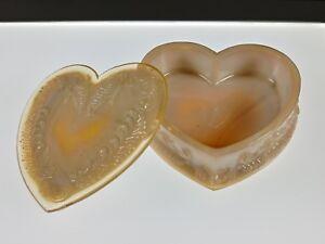 DEGENHART-HEART-Box-Jewelry-LIGHT-BEIGE-SLAG-Covered-Glass-Pre-1978-NOS-Boyd