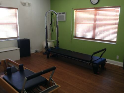 Details about  /Pilates reformer with Tower