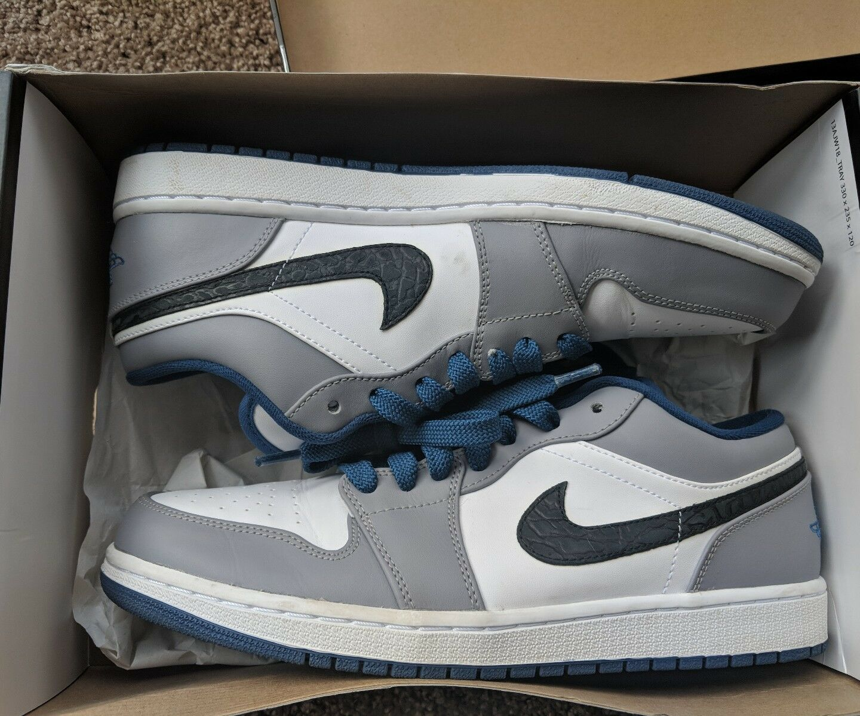 Nike Air Jordan Retro 1 Low True blueee Size 11.5