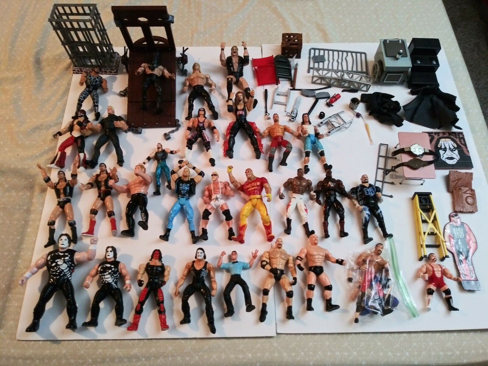 WCW FIGURE LOT, STING, HOGAN, goldBERG, NASH & MORE W ACCESSORIES MARVEL WWF WWE