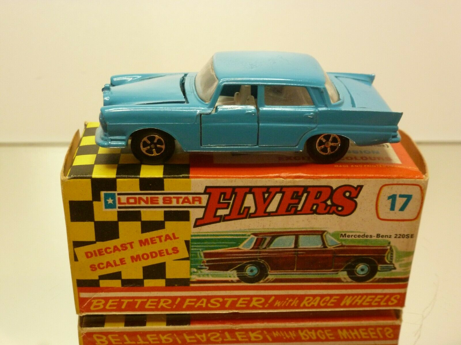 calidad de primera clase FLYERS LONEEstrella 17 MERCEDES BENZ 220 SE - azul 1 1 1 63 - VERY GOOD IN BOX (IMPY)  suministro de productos de calidad