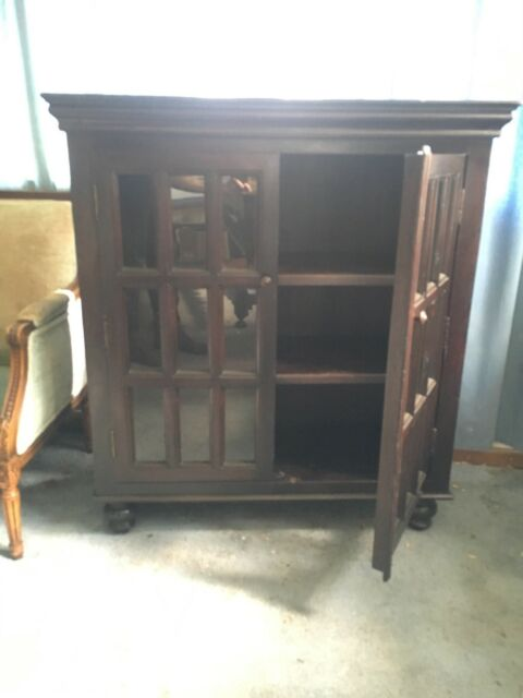 Solid Wood Gl Door Closed Bookcase