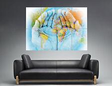 CARTE DU MONDE Map Of The World On Hands  Wall Art Poster Grand format A0