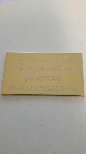 34 x 40 mm Plaqué Or Trophée Sheild gravure plaque