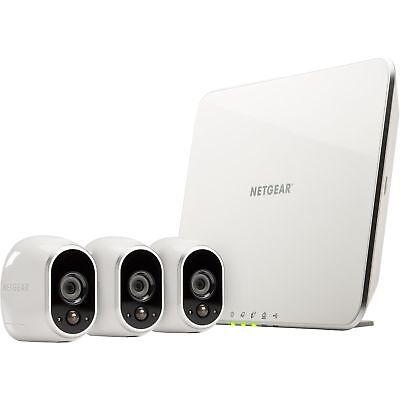 Arlo Sicherheitssystem mit drei HD-Kameras, Netzwerkkamera, weiß