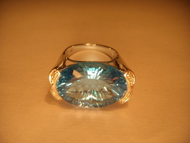Fabulous Estate Bold 14K White gold Huge bluee Topaz Diamond Ring