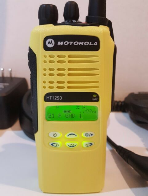 MOTOROLA HT1250 VHF 136-174MHz 128CH Public Safety Two-Way Radio AAH25KDF9AA5AN